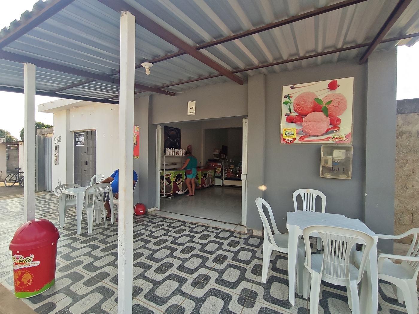 Casa / Loja- Sol Nascente